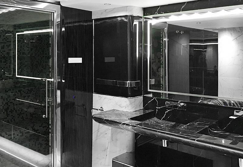 Yacht - Livorno - Restyling interni in marmo - bagno