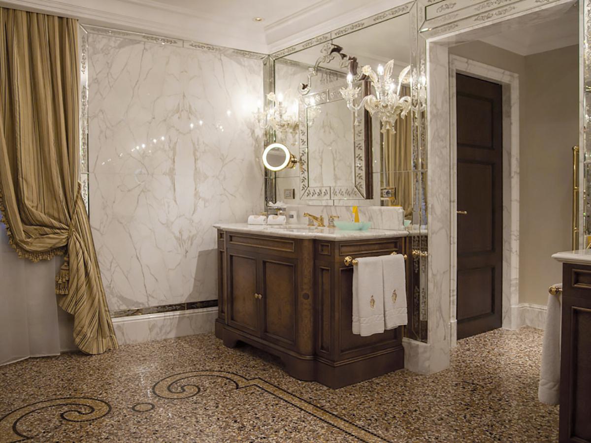 Hotel Danieli Venezia - Rivestimenti Bagno in Marmo Suite