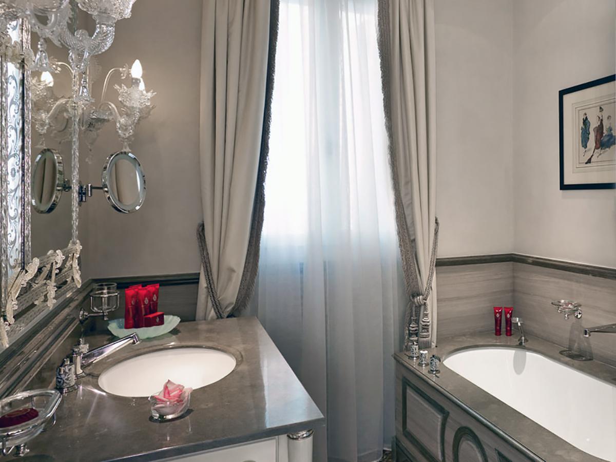 Hotel Danieli Venezia - Bagno in Marmo - Suite