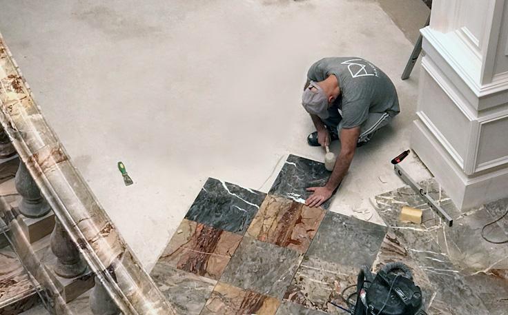 Posa in opera pavimento in marmo